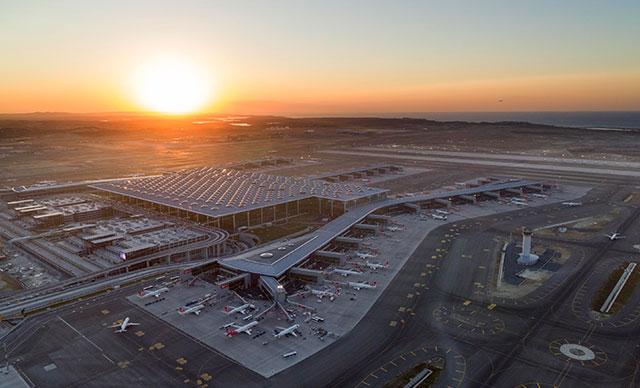 Bakan Karaismailoğlu: İstanbul Havalimanı'nda yolcu sayısı 100 milyonu aştı