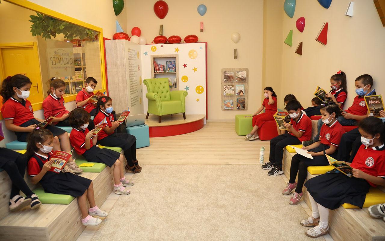 Gaziantep'te AVM'de çocuk kütüphanesi açıldı
