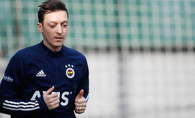 Mesut Özil antrenmanda yer almadı